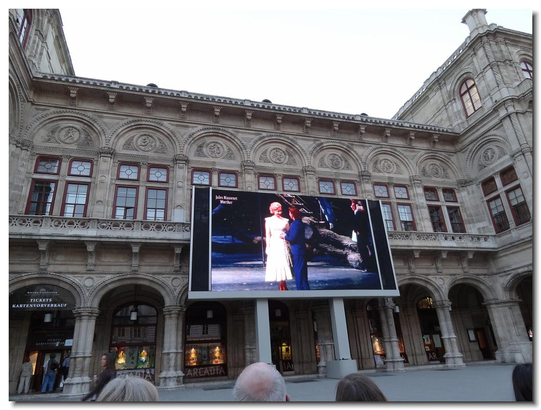 Watching an Opera live on the big screen