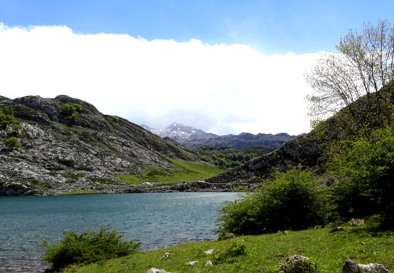 Peek of the Picos beyond Lago Enol