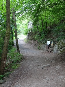 Story stops along the easy trail to Durnstein ruins