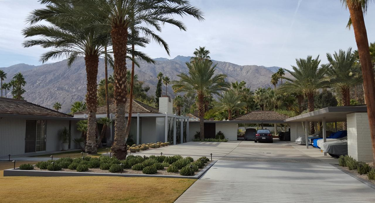 Biking palm springs mid century modernism route 2 for Abernathy house