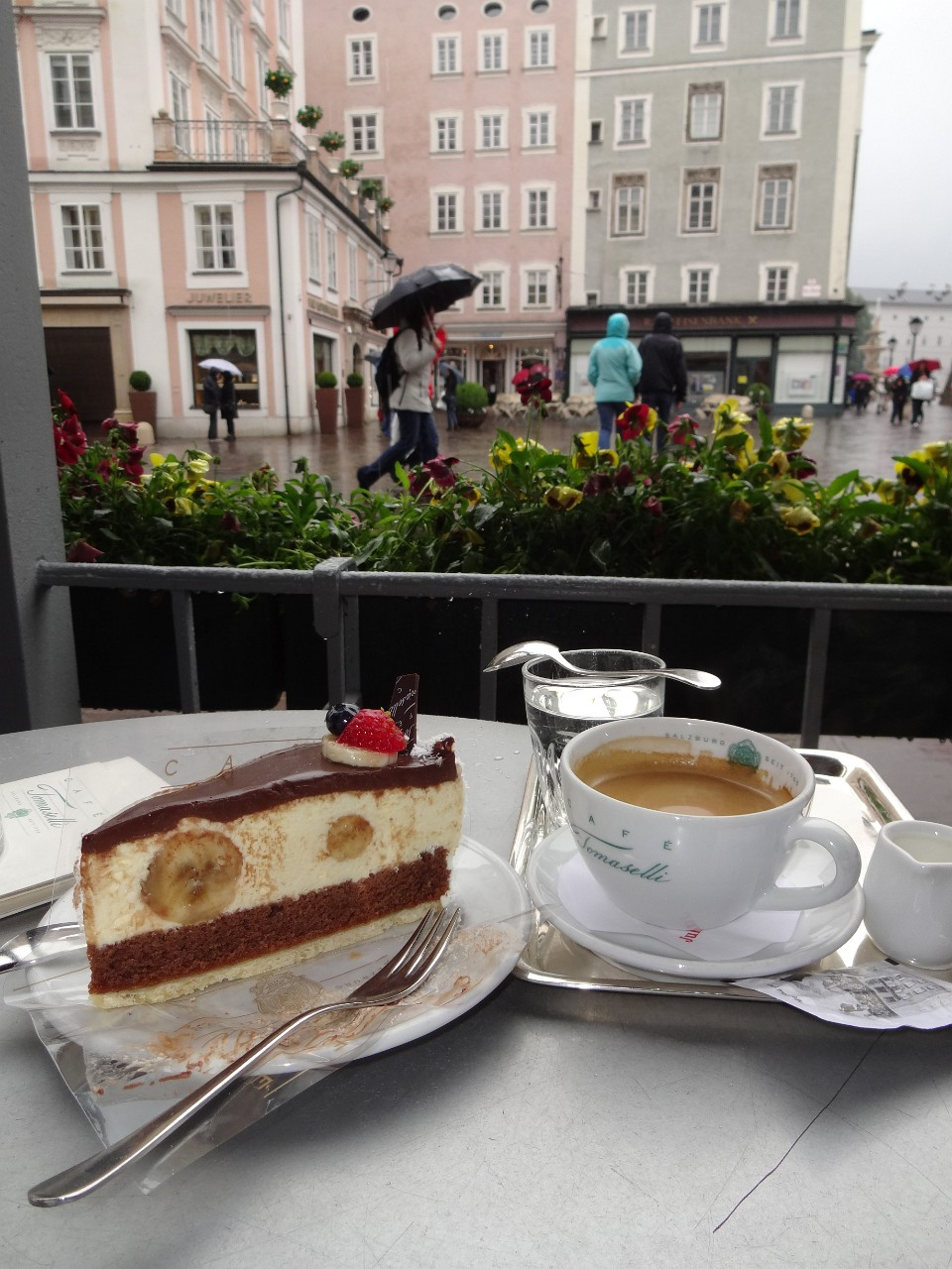 Coffee and cake at Cafe Tomaselli - out of the rain