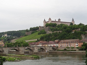 2 Nights In Lively And Historic W Rzburg