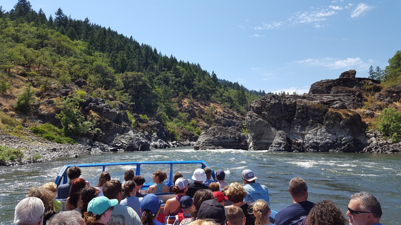 jet boat entering hellgate canyon