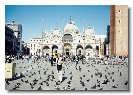 photo of Rebecca Snyder in St Marks square with Basilica San marco