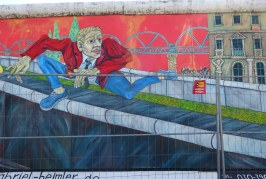 Biking Your Own Street Art Tour in Berlin